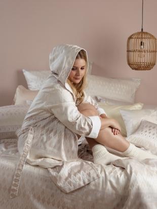 Luxusní dámský plášť  Velda